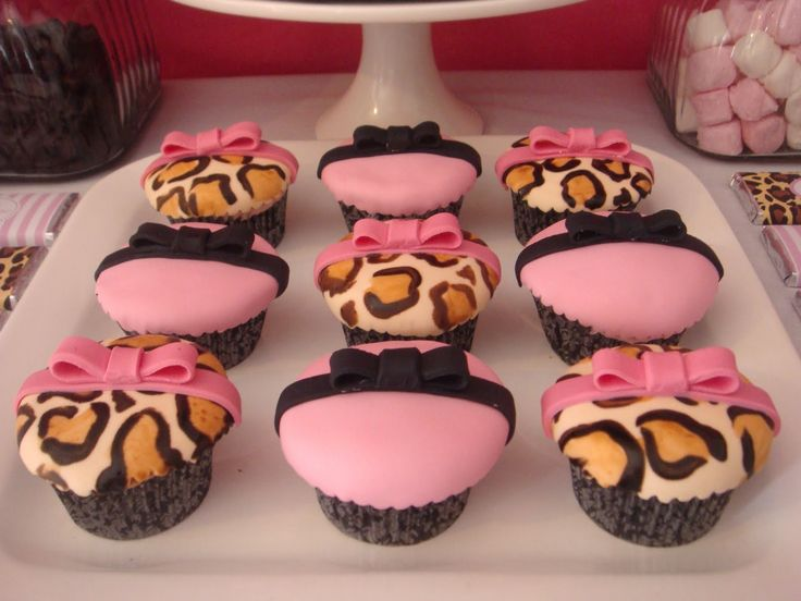 Pink Leopard Cupcakes