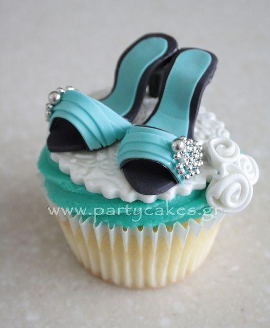 11 Photos of Wedding Shoe With Mini Cupcakes