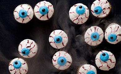 7 Photos of Spooky Eyeball Cupcakes