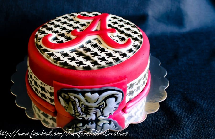Alabama Crimson Tide Birthday Cake - Vanilla