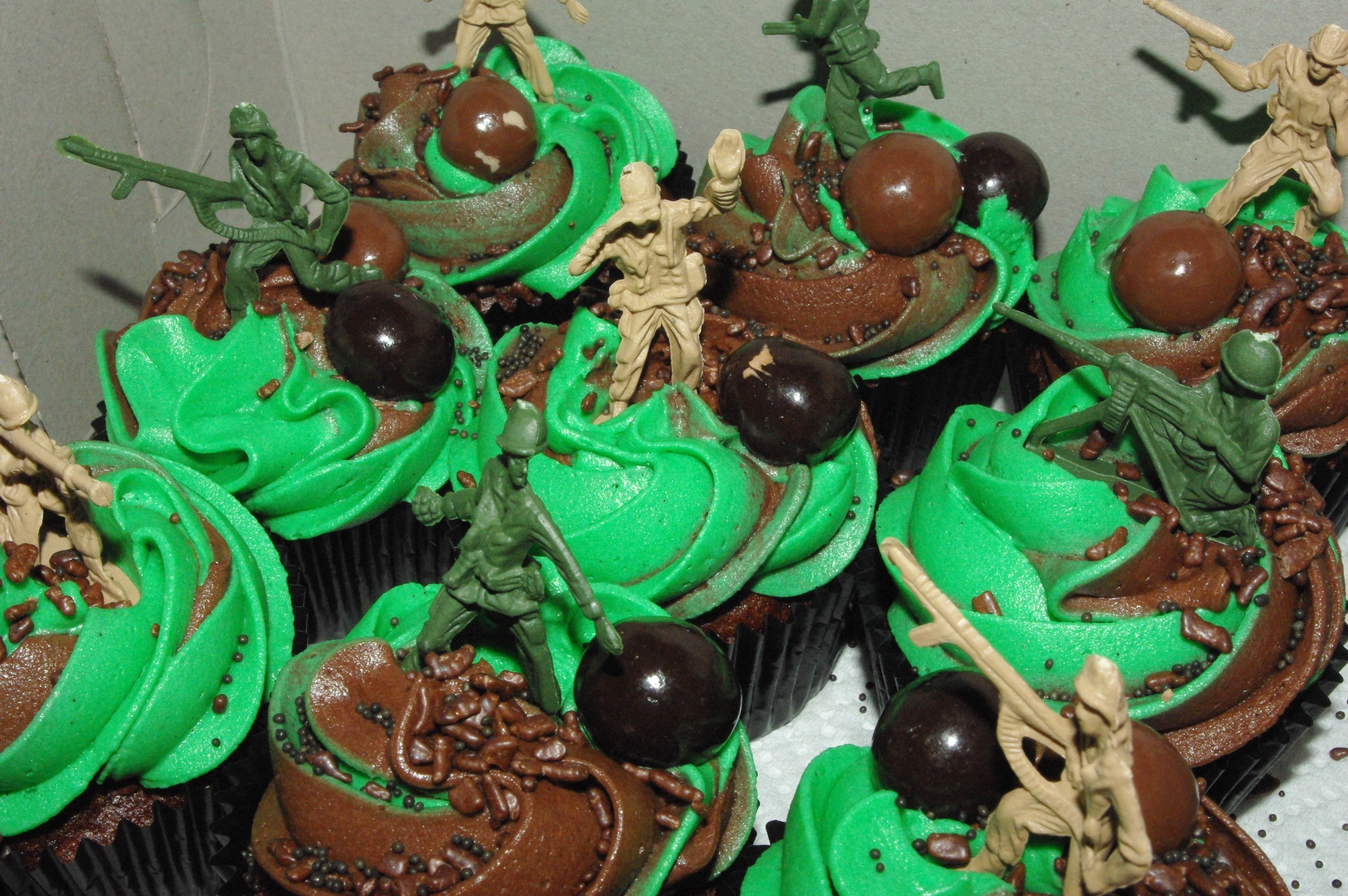 5 Photos of Army Themed Cake Cupcakes