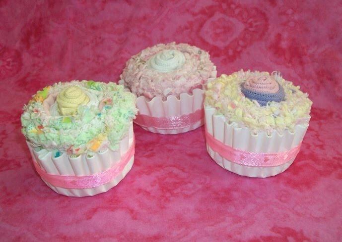 Baby Shower Burp Cloth Cupcakes