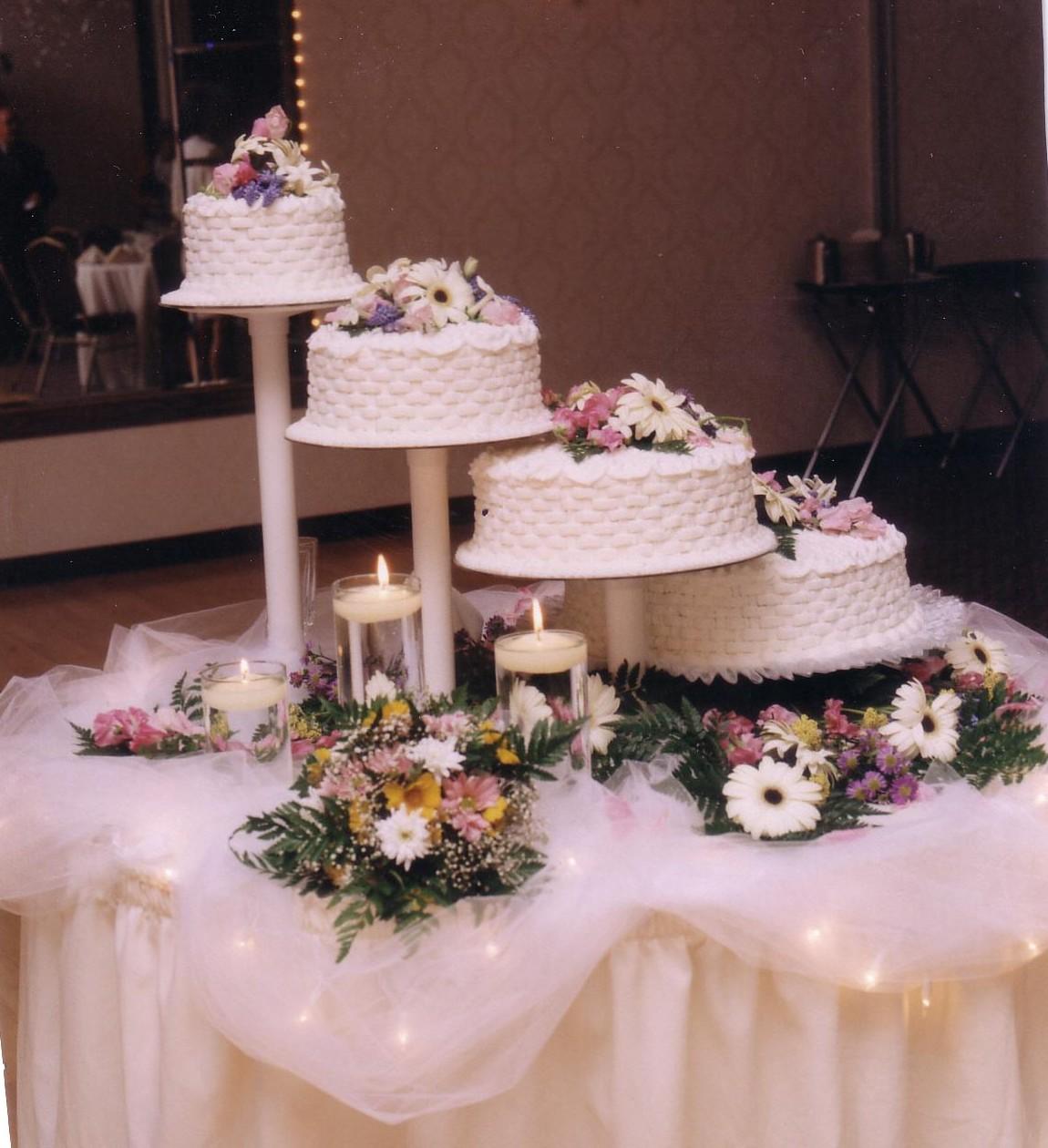 Bridge Wedding Cakes with Fountains