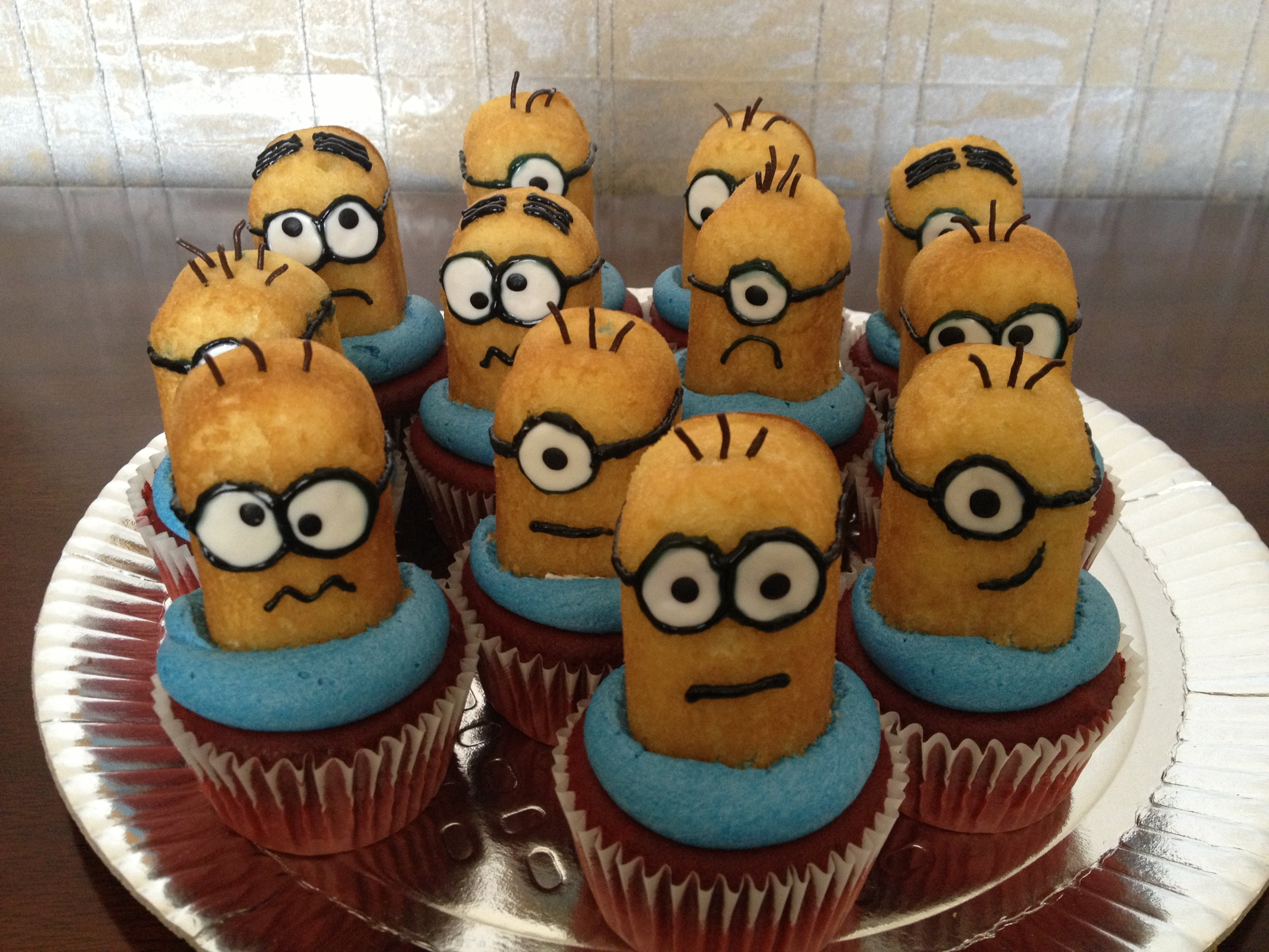 Despicable Me Minion Cake and Cupcakes