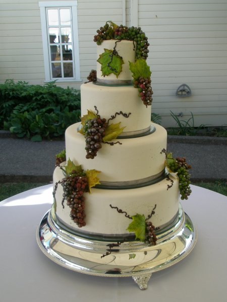 Grapes Square Wedding Cake