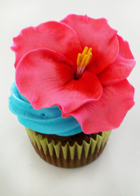 Hawaiian Cupcakes