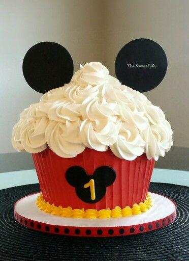 Mickey Mouse Cupcake Smash Cake