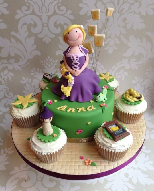 Rapunzel Cake and Cupcakes