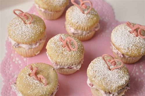 Raspberry Cream Cupcakes