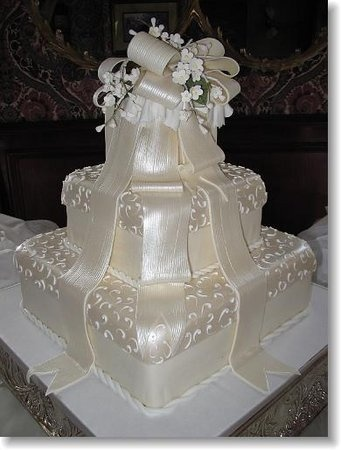 Simon Lee Bakery Wedding Cake