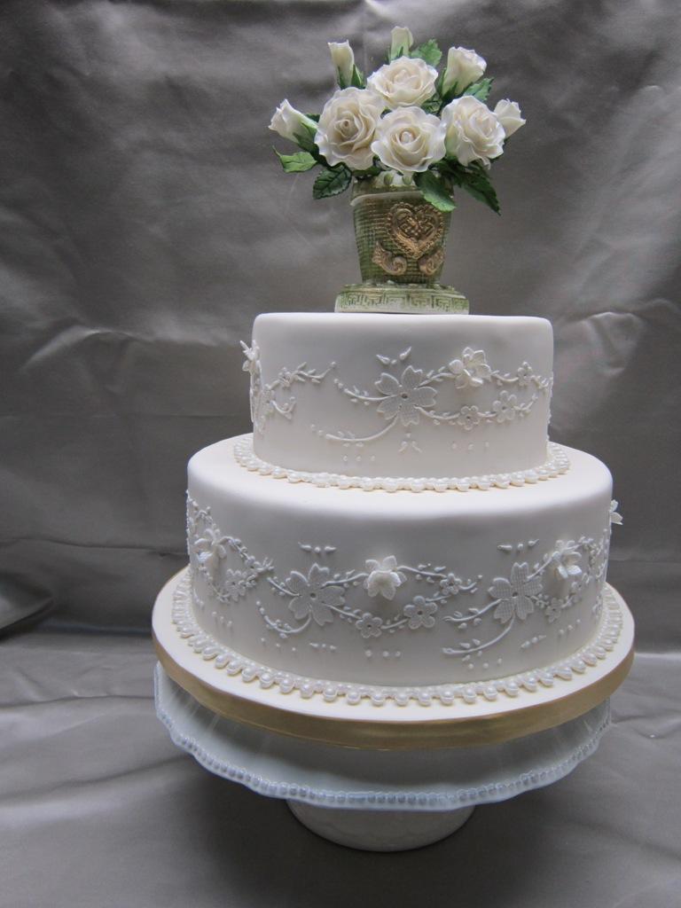Small 2 Tier Wedding Cakes