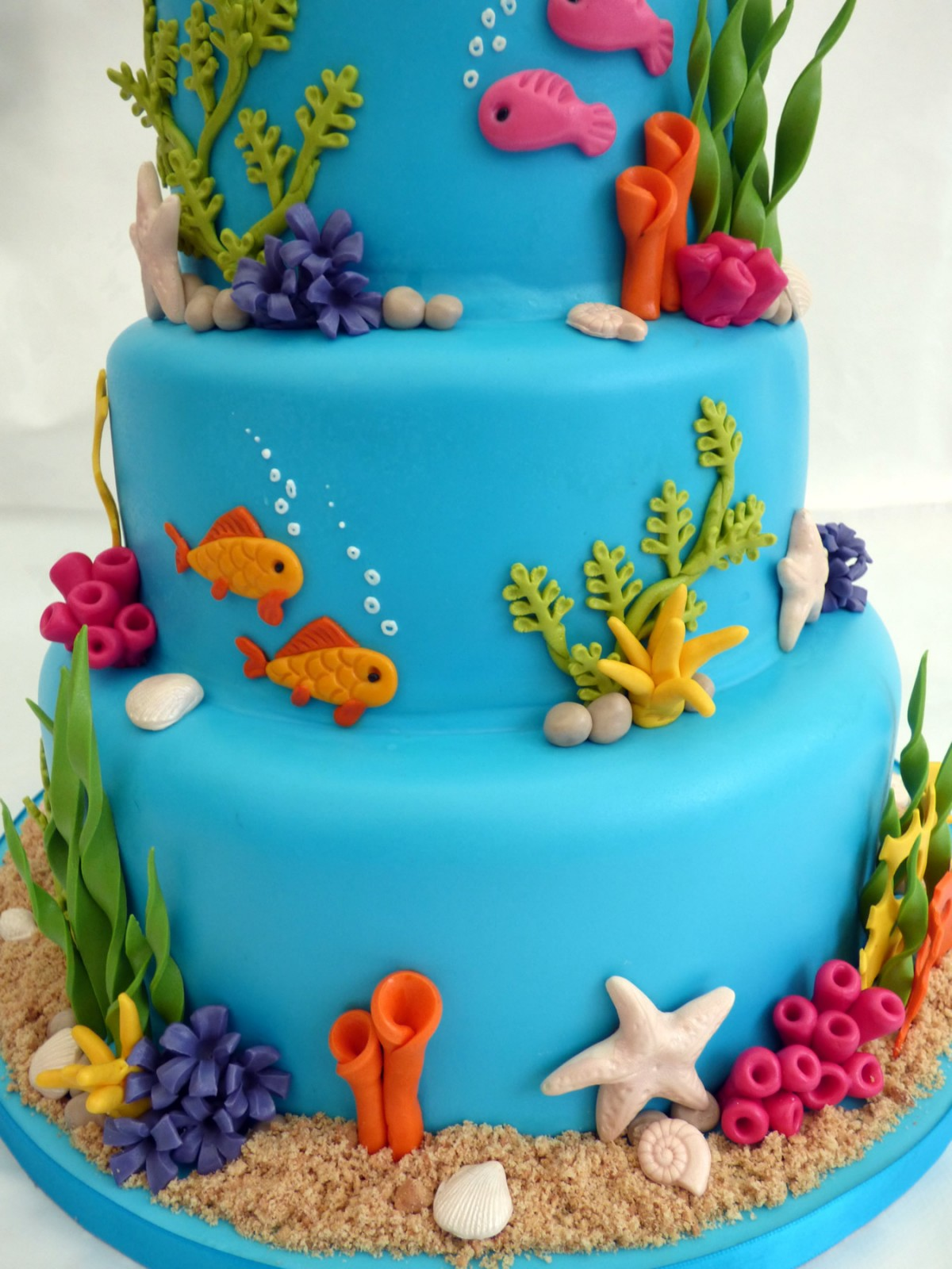 Underwater-Themed Wedding Cake