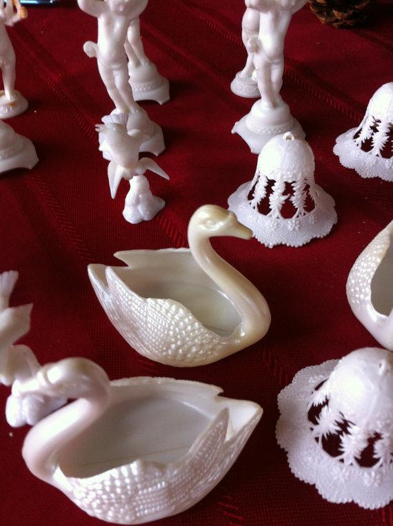 White Plastic Swans Wedding Cake