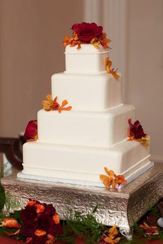 5 Photos of Only Burgundy Square Wedding Cakes