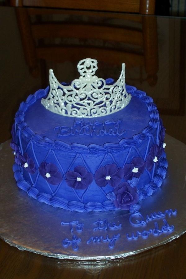 Pretty Cake Decorating Idea