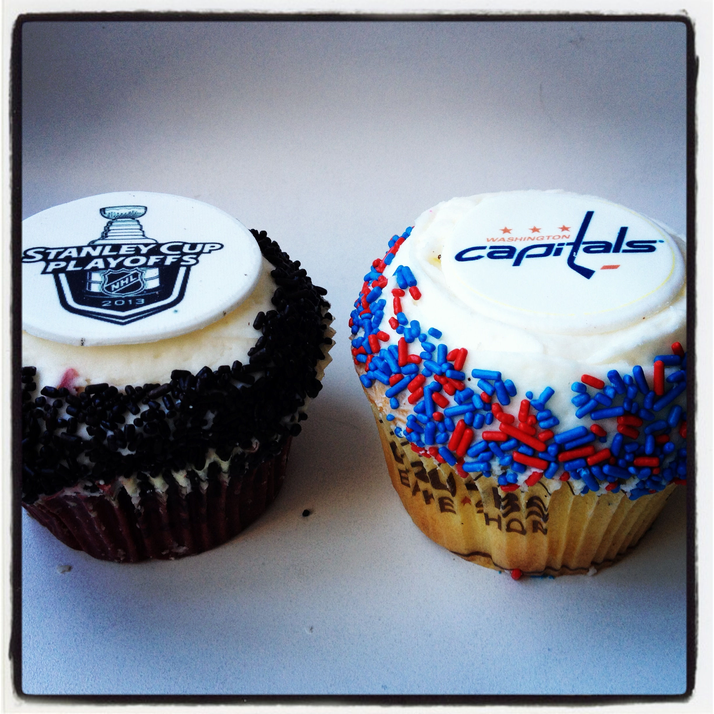 Stanley Cup Cupcake Cake