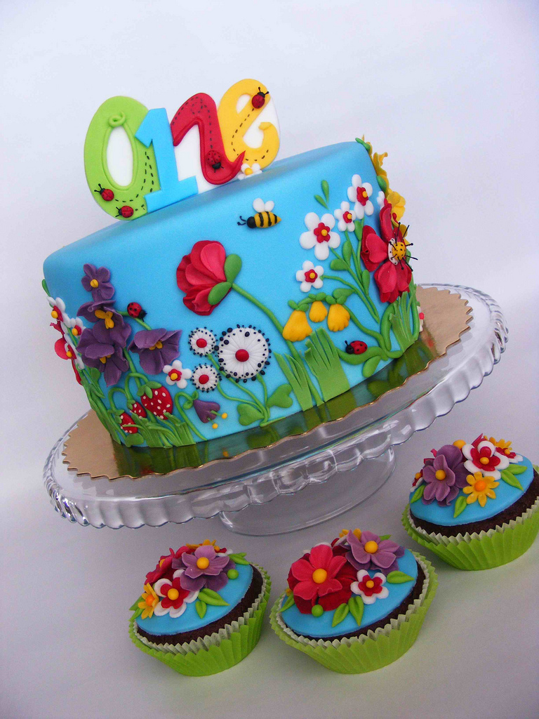 10 Photos of Beautiful Summer Cakes