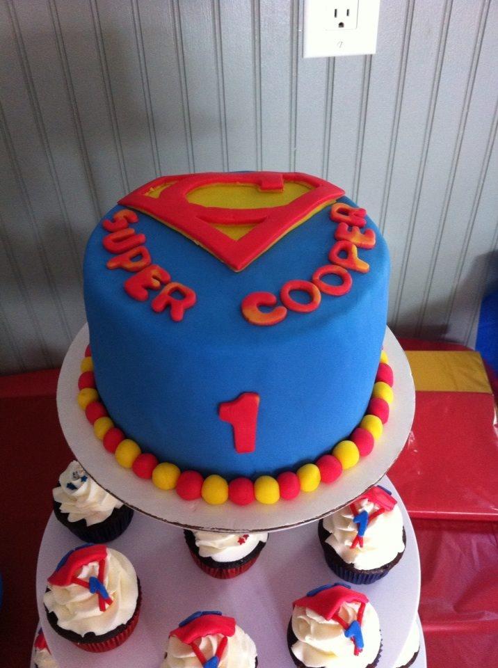 Super Hero Cake Cupcakes