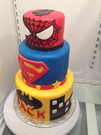 12 Photos of Super Heroes Fondant Cakes
