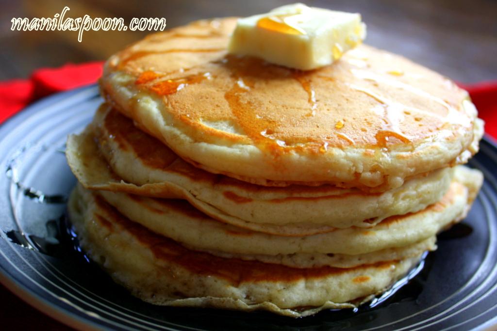Easy Fluffy Homemade Pancakes