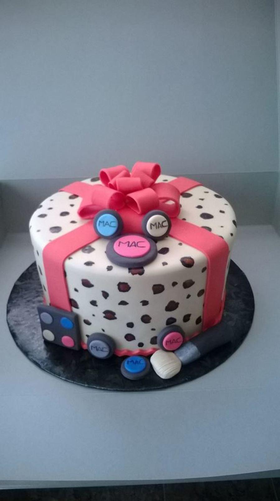 Leopard Print Bow Cake