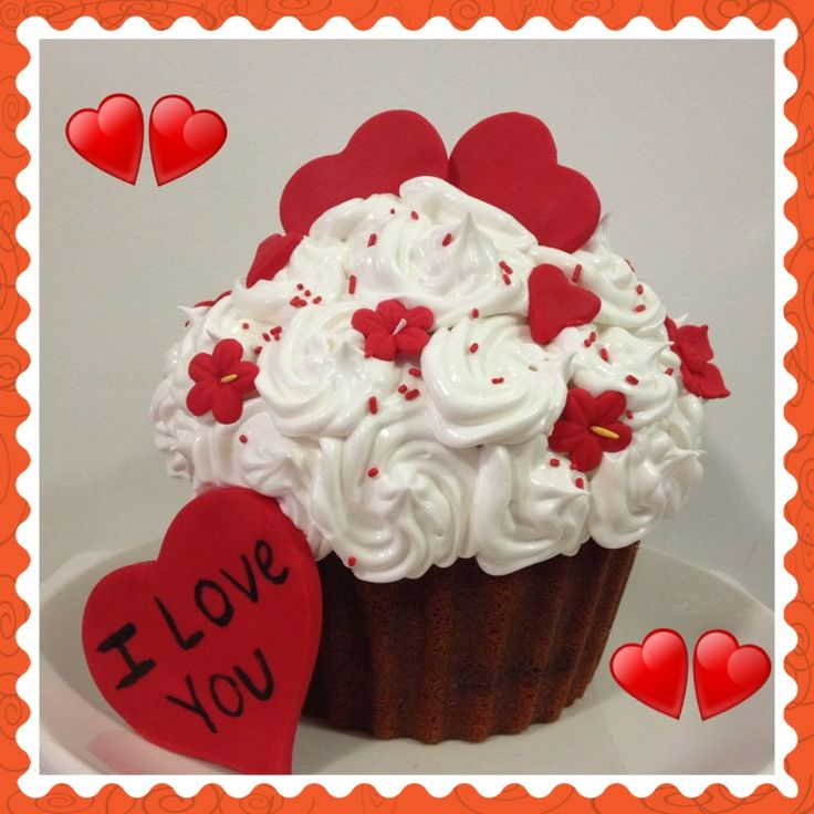 Valentine Giant Cupcake Cake
