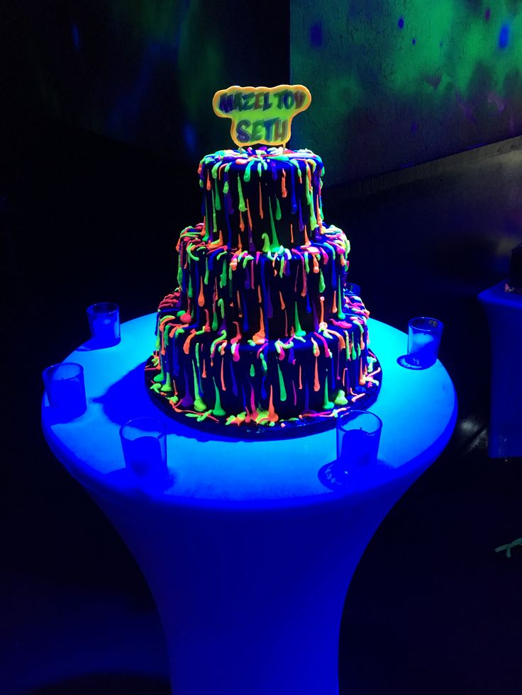 Glow in the Dark Neon Sweet 16 Party Cakes Images
