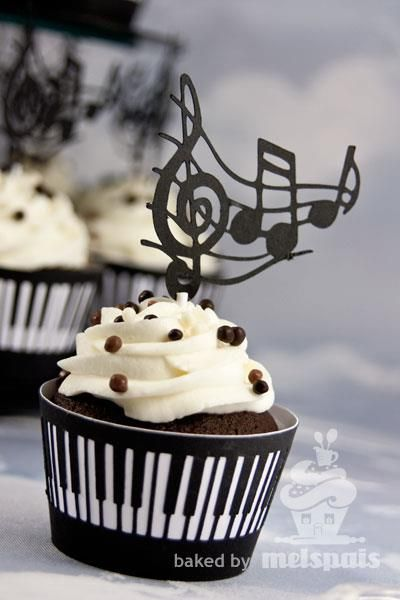 Piano Music Notes Cupcakes