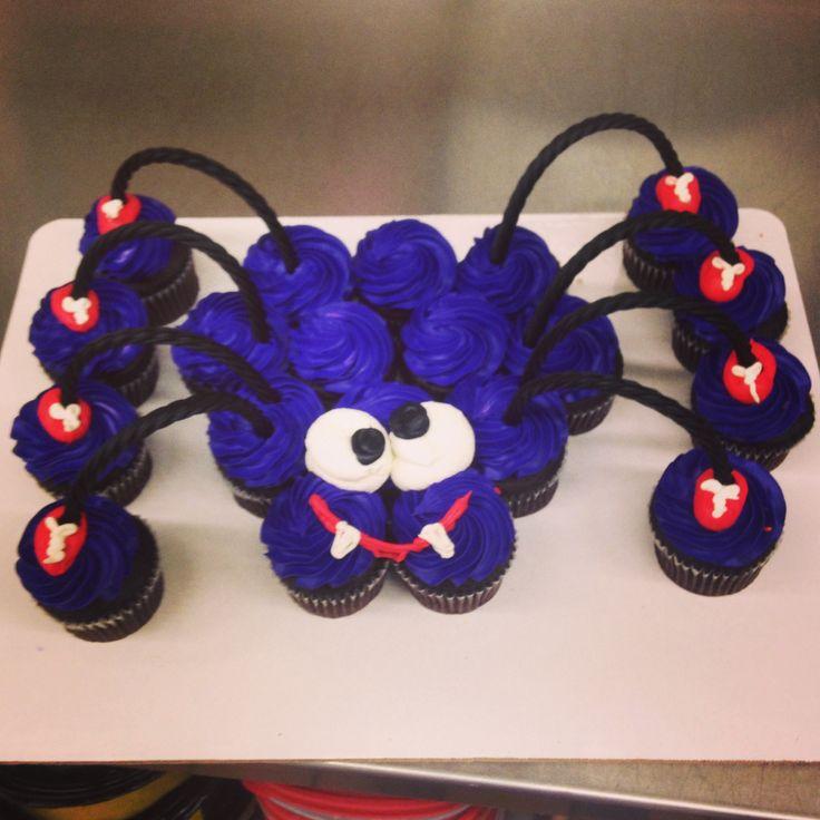 Spider Pull Apart Cupcake Cake