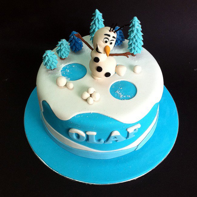 Frozen Olaf Fondant Cake