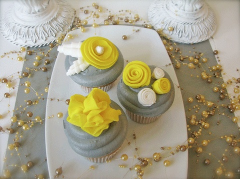 Grey and Yellow Fondant Flowers