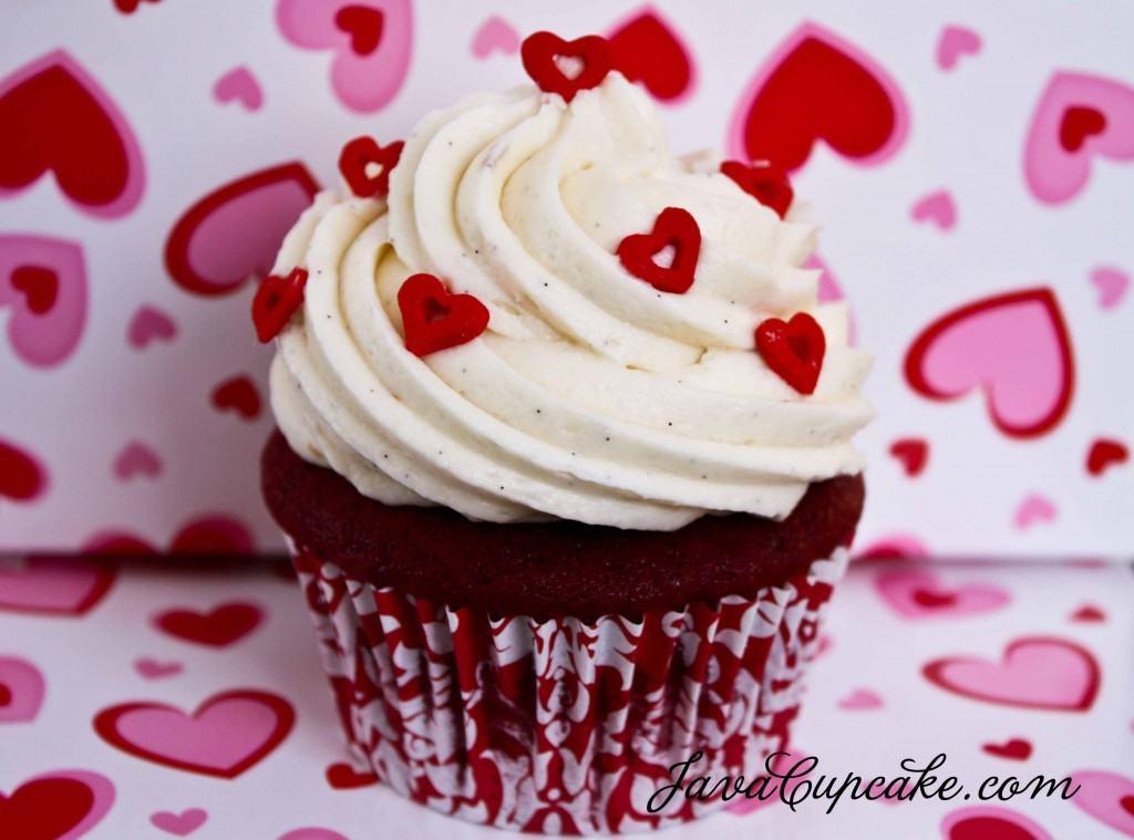 Happy Valentine's Day Cupcake