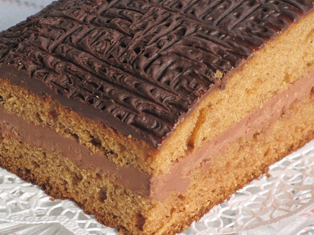Sheet Cake with Chocolate Filling