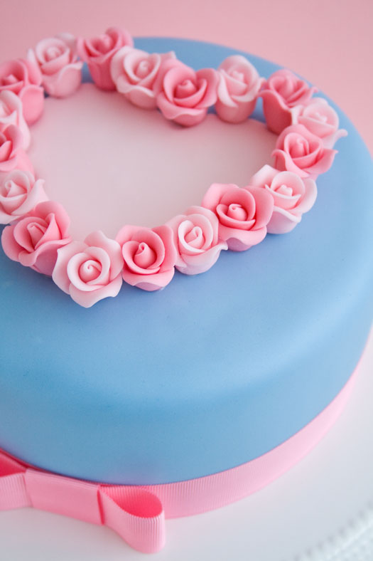 Valentine's Cake with Roses