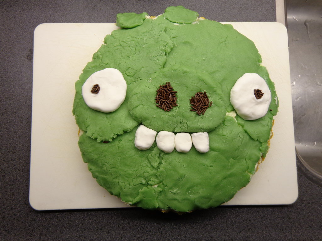 Bad Piggy Birthday Cake