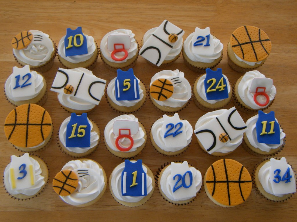Basketball Cupcake Decorating Ideas