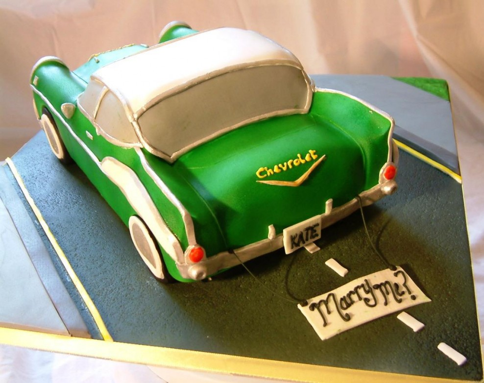 Classic Car Themed Birthday Cakes