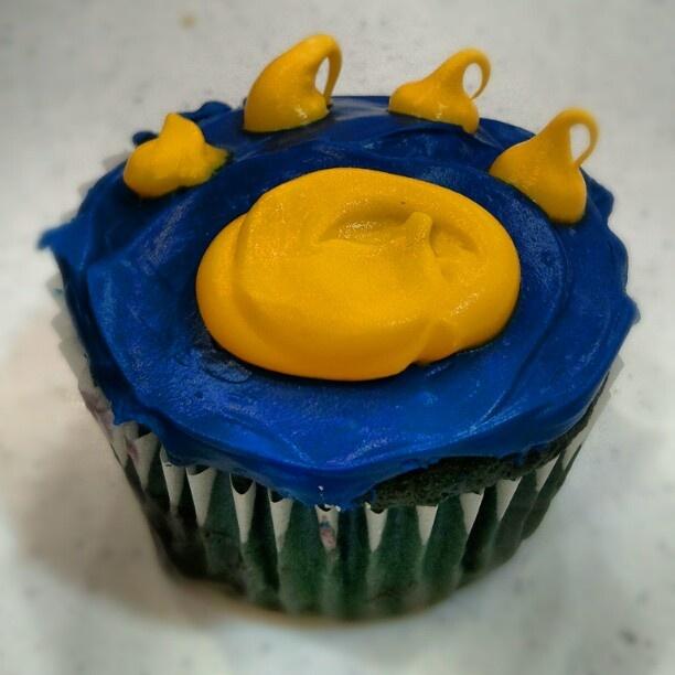Cub Scout Paw Print Cupcakes