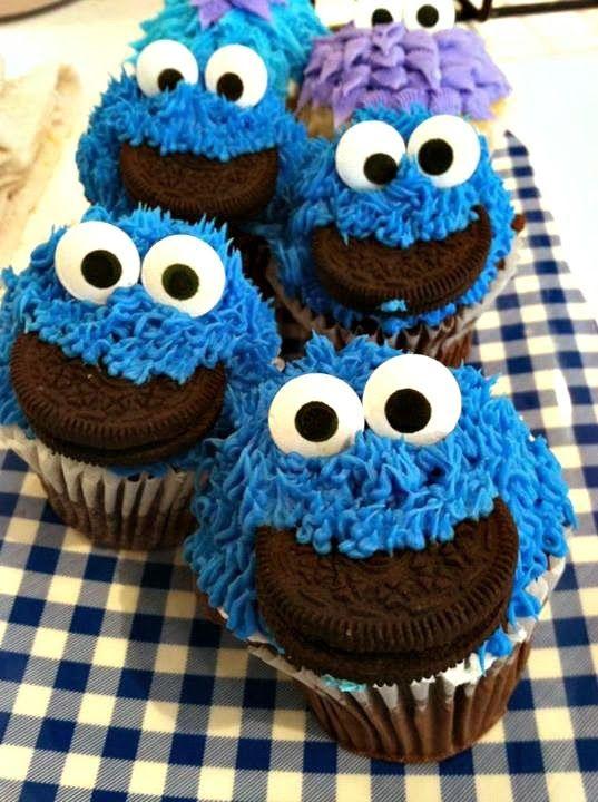 DIY Cookie Monster Cupcakes