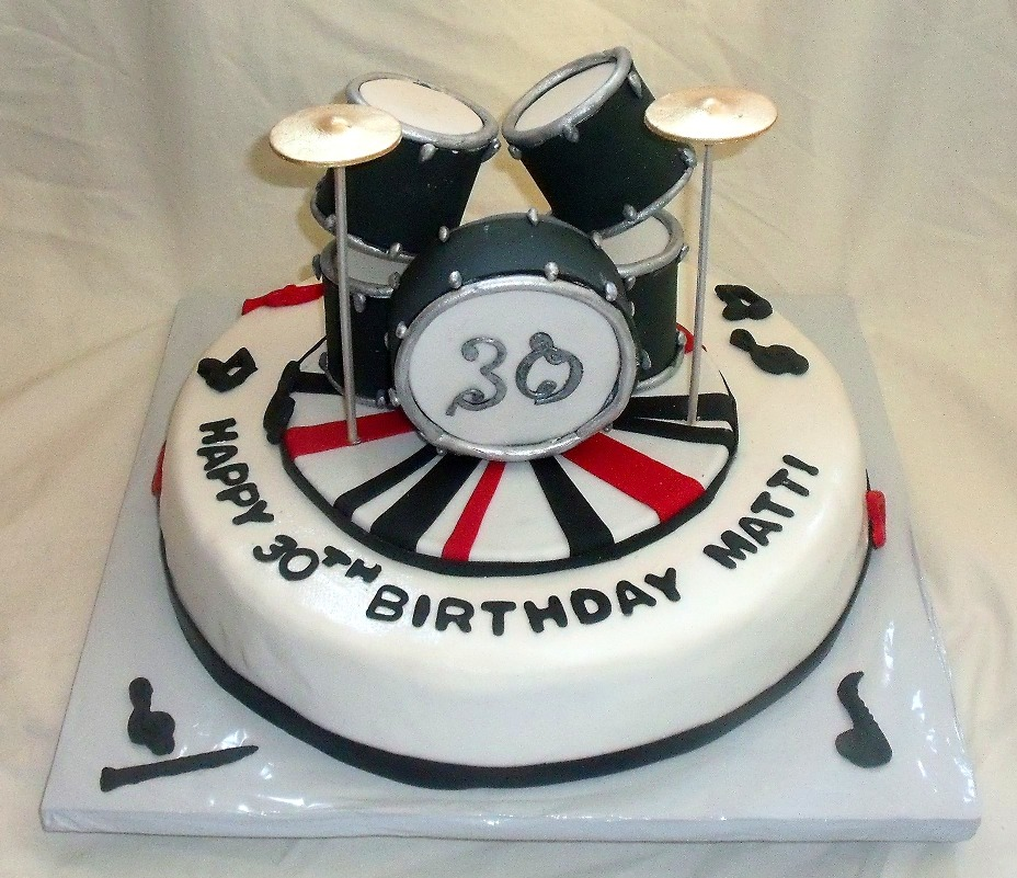 12 Photos of Music Themed Fondant Birthday Cakes