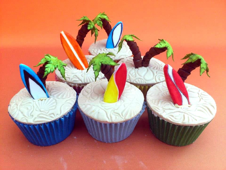 Hawaiian Themed Cupcake Cake