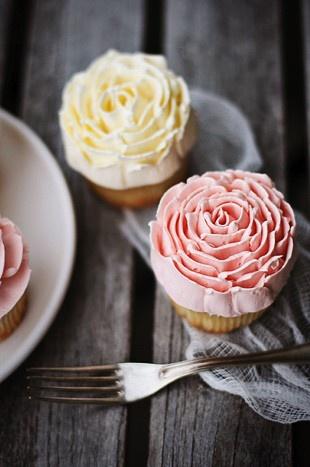 Magnolia Bakery Flower Cupcakes