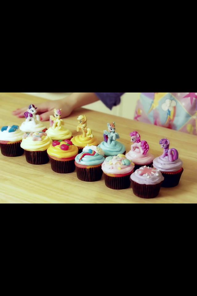 My Little Pony Cupcakes NERDY NUMMIES