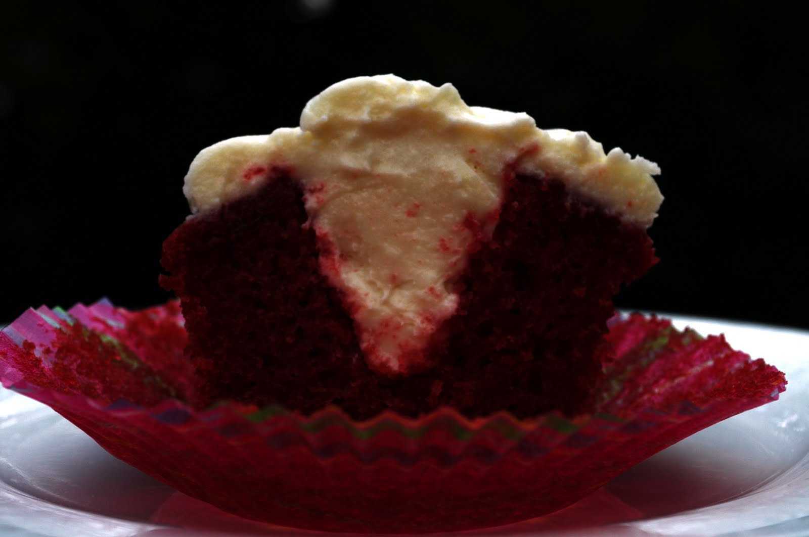 11 Photos of Red Velvet Cream Cheese Stuffed Cupcakes