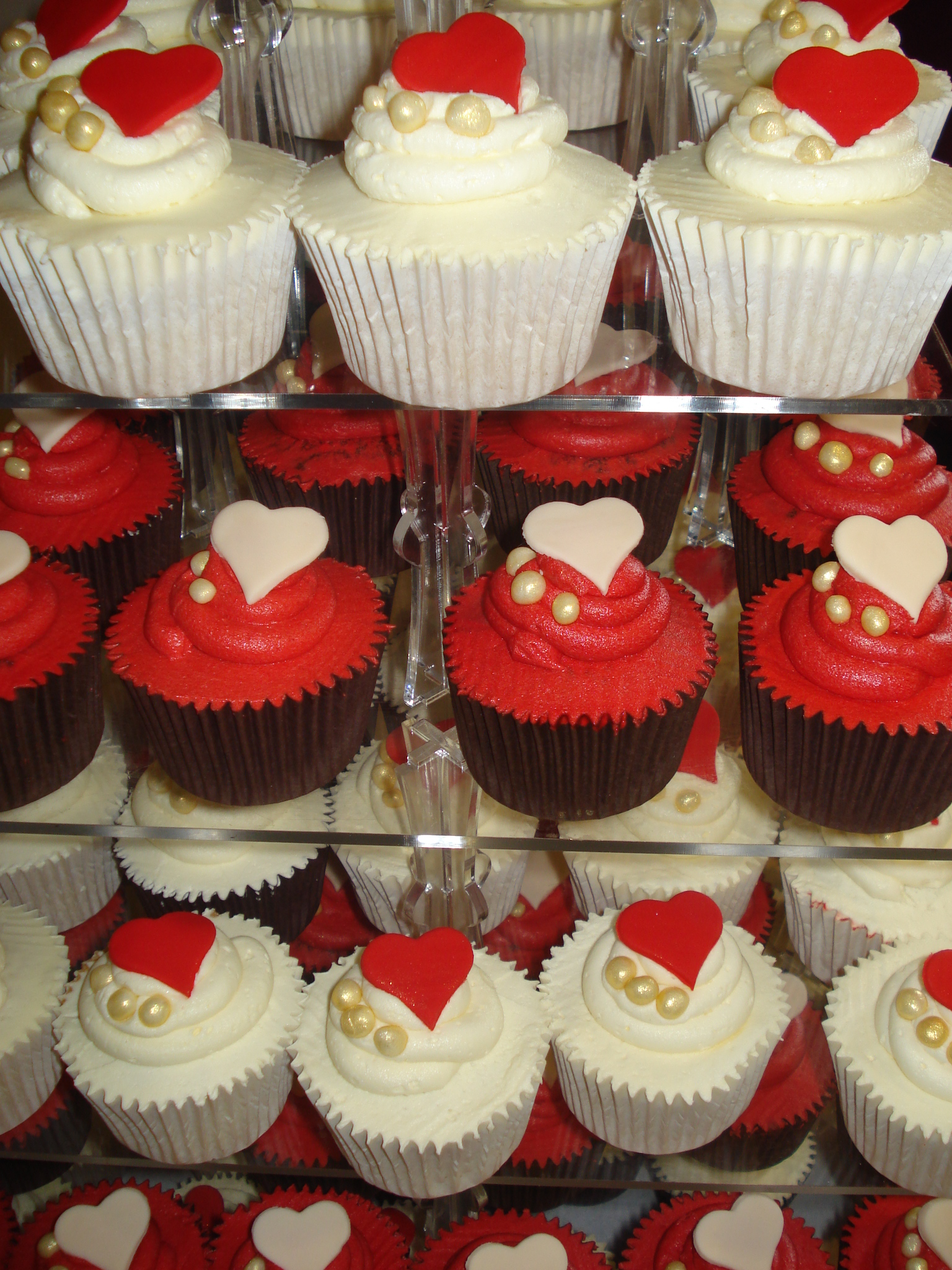 Red Wedding Cake Cupcakes