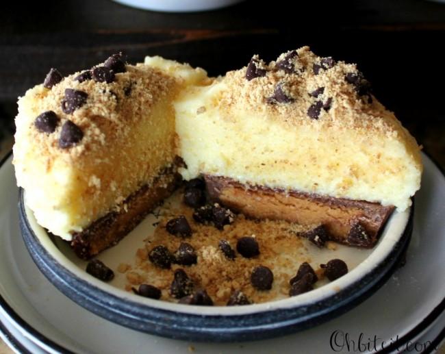Reese's Bottom Cheesecake Cupcakes