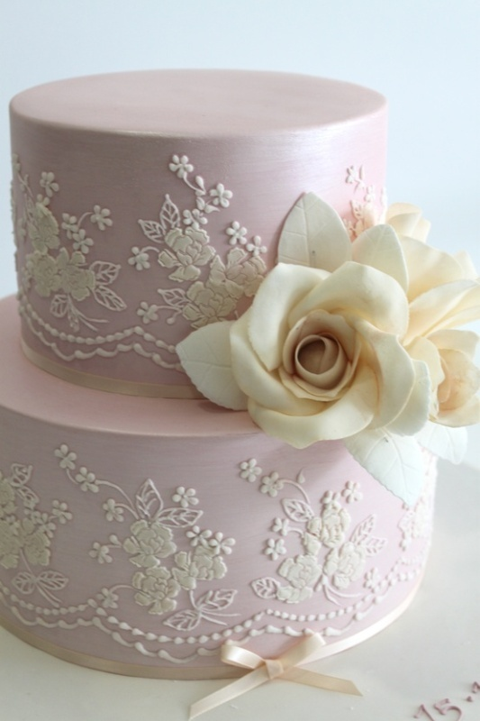 Vintage Lace Wedding Cake Ideas