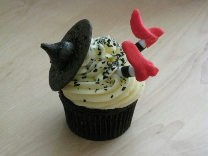 Wizard of Oz Witch Cupcakes