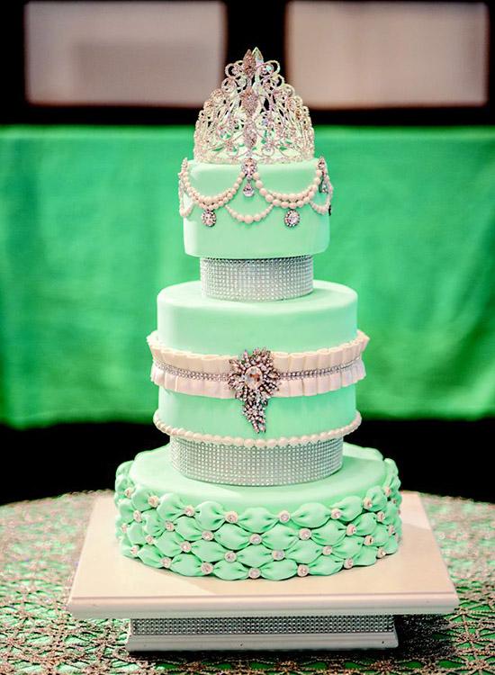 Beautiful Sweet 16 Cake