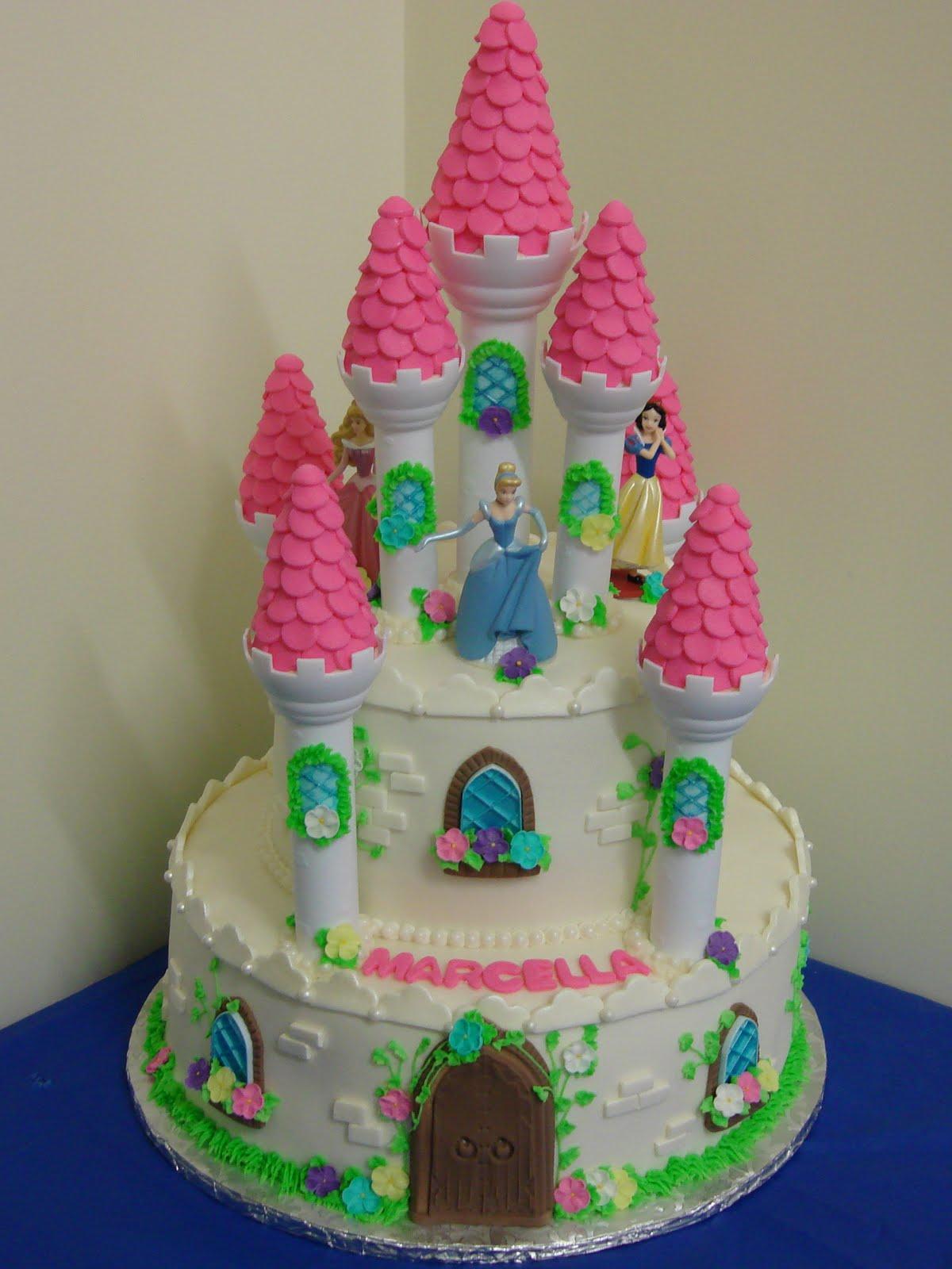 8 Photos of World Disney Princess Cakes